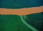 Unirea fluviului Uruguai cu afluentul sau. Provincia Misiones, Argentina.