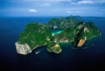 Phi Phi Le langa insula Phuchet, Tailanda